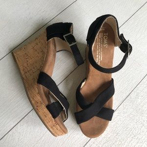 TOMS wedge Sandal size 6!
